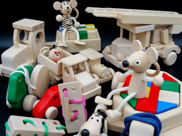 WOODEN TOYS FROM BIRCH
