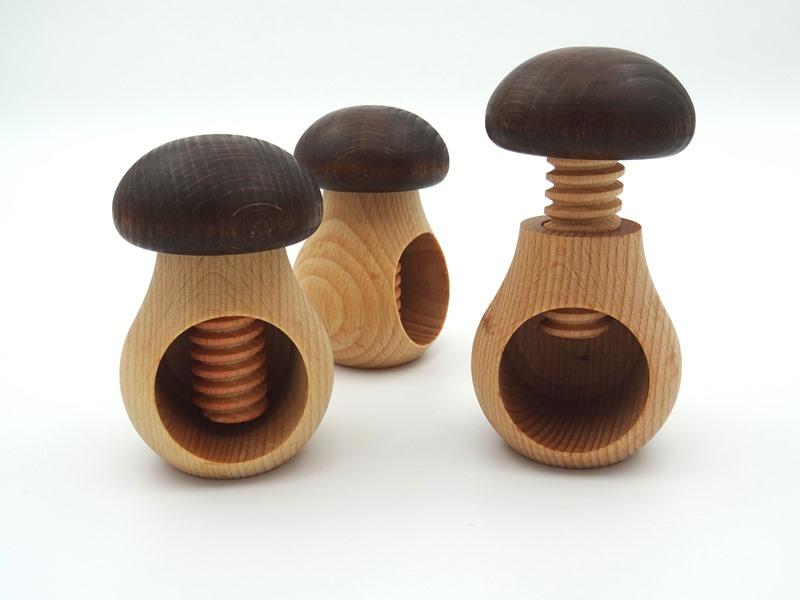 Pähklitangid puidust
