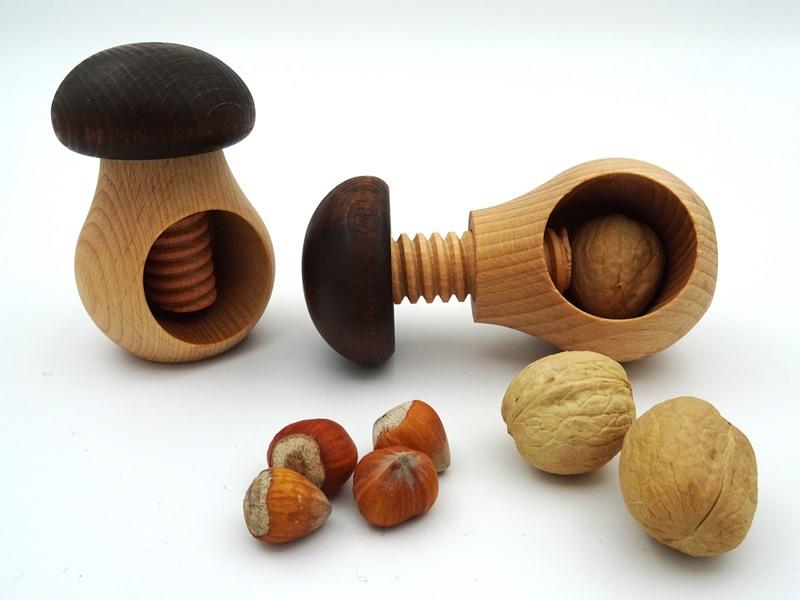 Puidust Pähklipurustaja