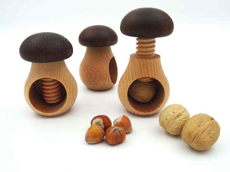 Pähklipurustaja puidust