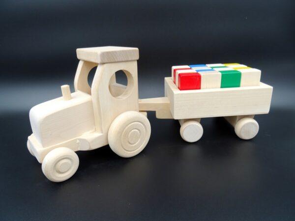 Puidust mänguasi Traktor käruga
