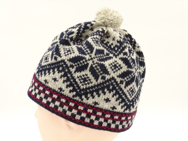 Men's wool hat with pattern R11a